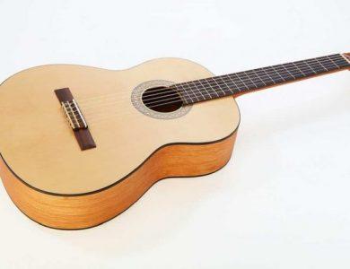 Guitarra Yamaha, guitarra clasica, instrumentos de cuerda